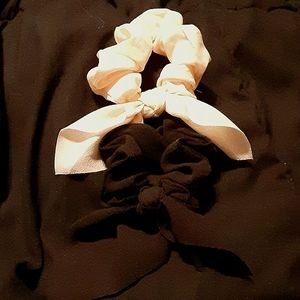 Victoria's Secret PINK Bow Scrunchies - NEW W/TAGS